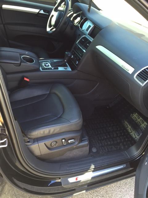 Q7-interior